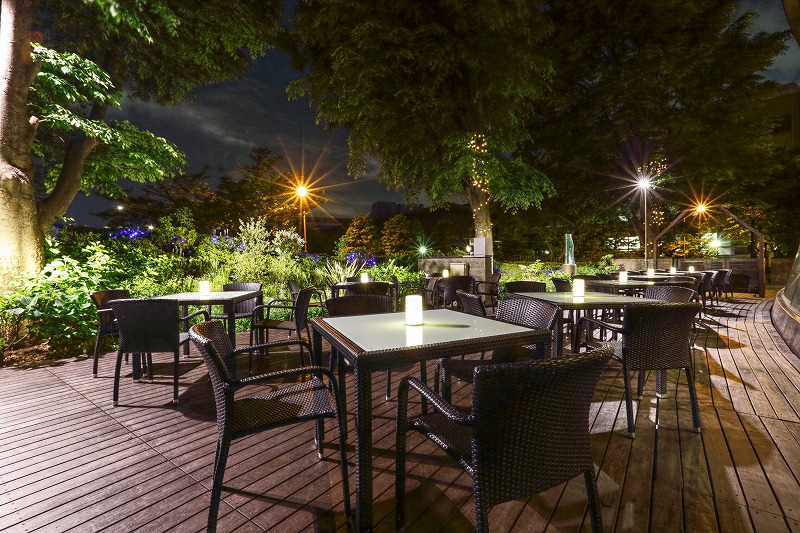 [hotel grand arc Hanzo-mon] Beer garden which overlooks forest of Imperial Palace