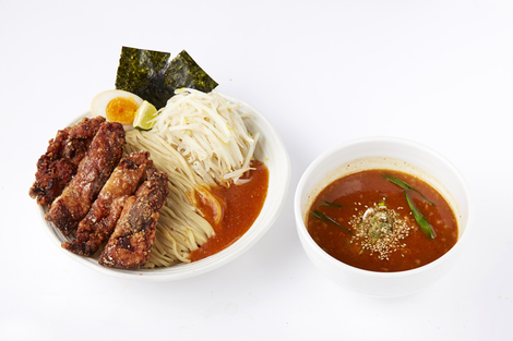 The hot and delicious ramen front and back The Ichigaya head office
