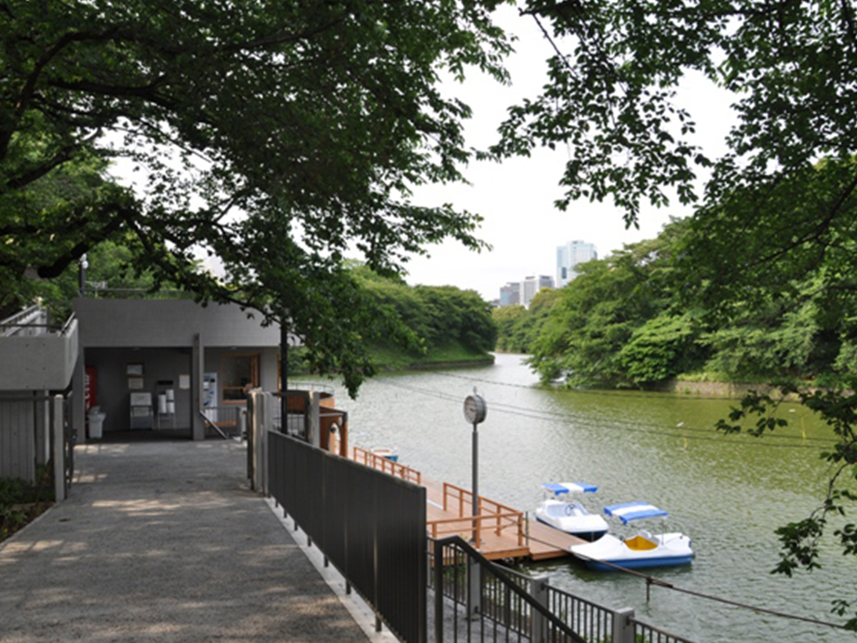 Chidori-ga-fuchi park, boat ground